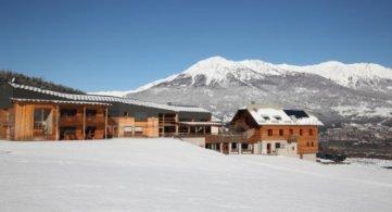 Partez skier à Pâques, il y a moins de monde!